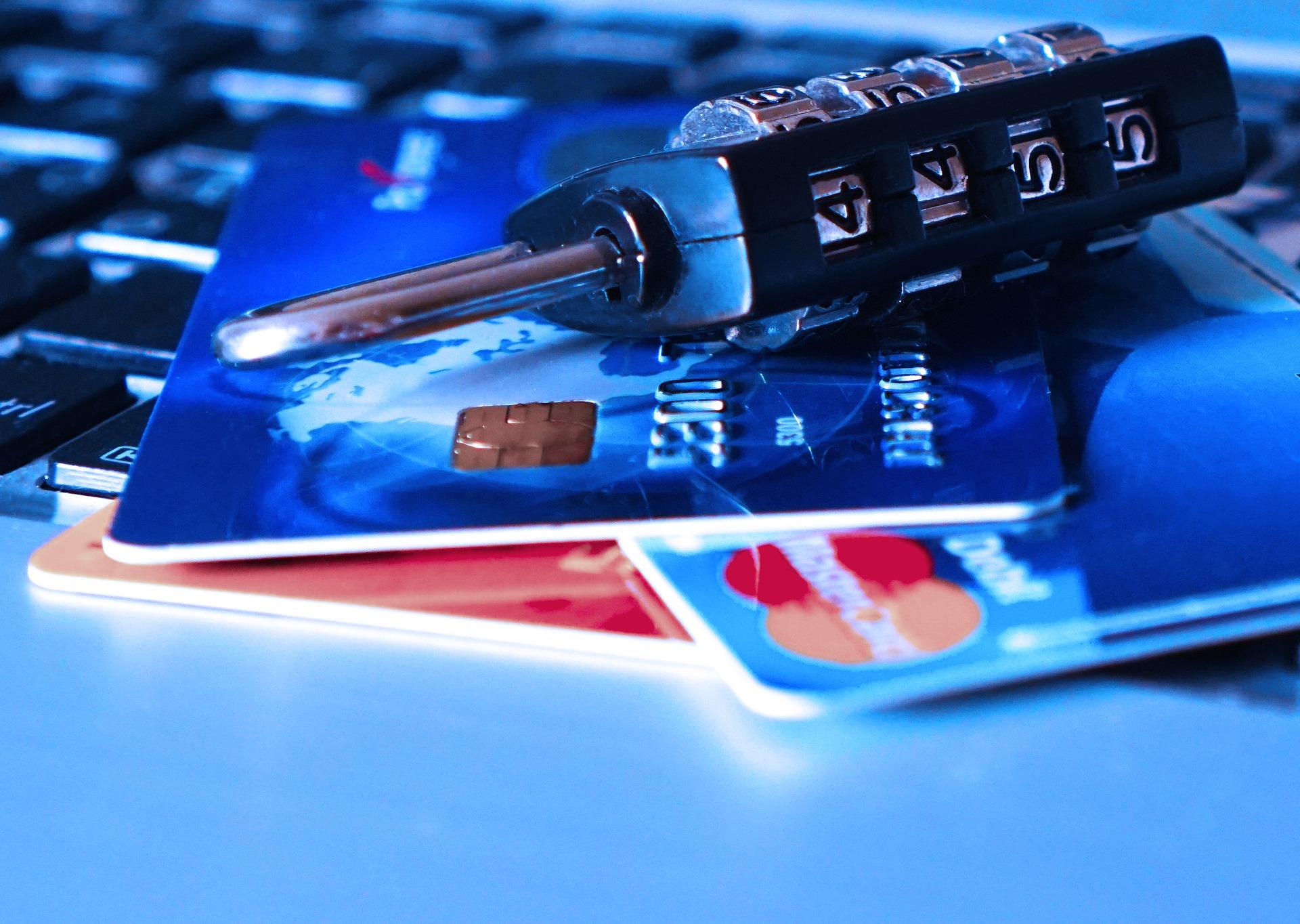 Kto odpowiada za nieautoryzowane transakcje, czyli odpowiedzialność dostawców w świetle ustawy o usługach płatniczych oraz opinii EBA